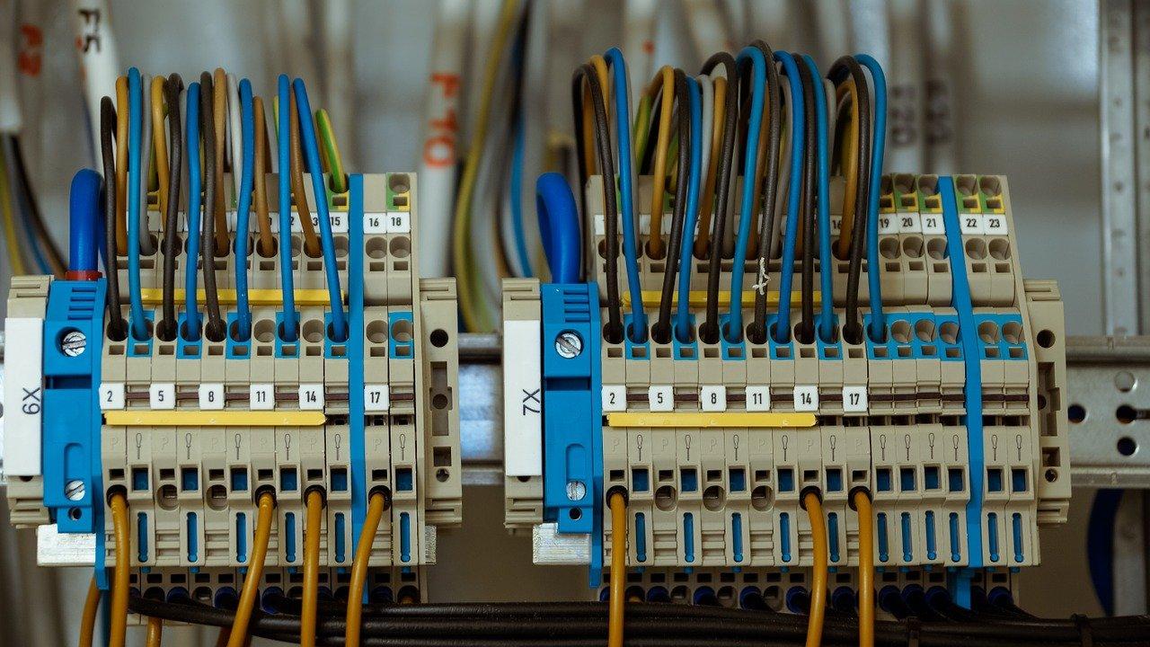 חשמל תלת פאזי